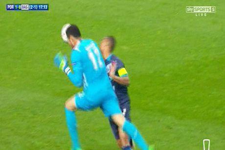 Muc tieu cua Man United va Real bat tinh roi san o tran Porto-Basel - Anh 1