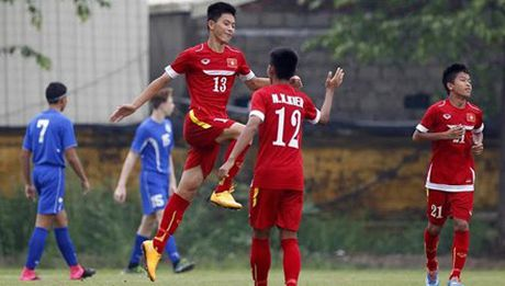 U16 Viet Nam gay soc voi 18 ban thang vao luoi Guam - Anh 1