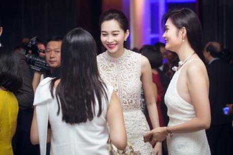 """Dang Thu Thao dien vay """"xuyen thau"""" nhung van thanh lich - Anh 4"""
