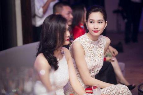 """Dang Thu Thao dien vay """"xuyen thau"""" nhung van thanh lich - Anh 5"""
