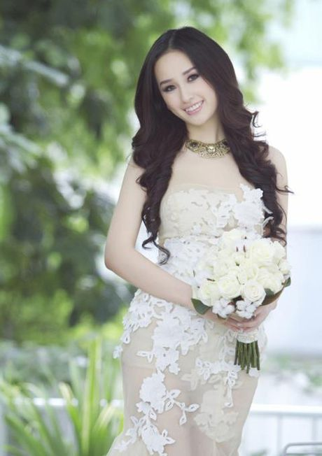 """Dang Thu Thao dien vay """"xuyen thau"""" nhung van thanh lich - Anh 6"""