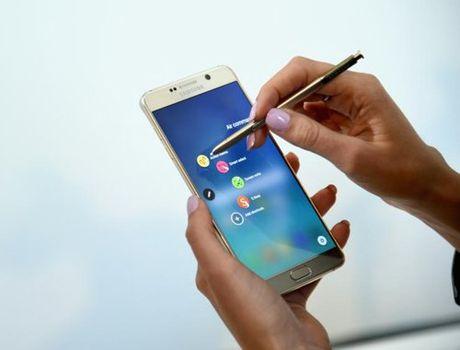 Video: Samsung khoe tinh nang but S Pen tren Note 5 - Anh 1