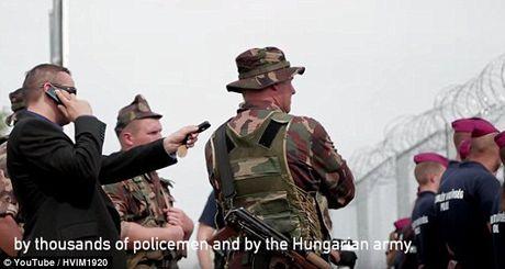 Thi truong Hungaria tung clip nhu phim hanh dong, ran de di dan - Anh 7