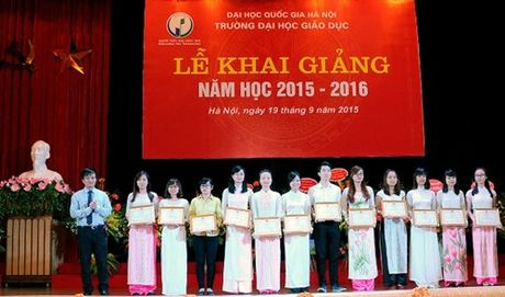 Truong DH Giao duc chao don nam hoc moi - Anh 4