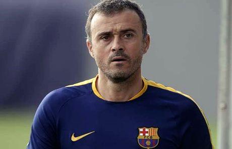 Fifa cam Barca khong duoc dang ki nguoi thay Rafinha - Anh 2