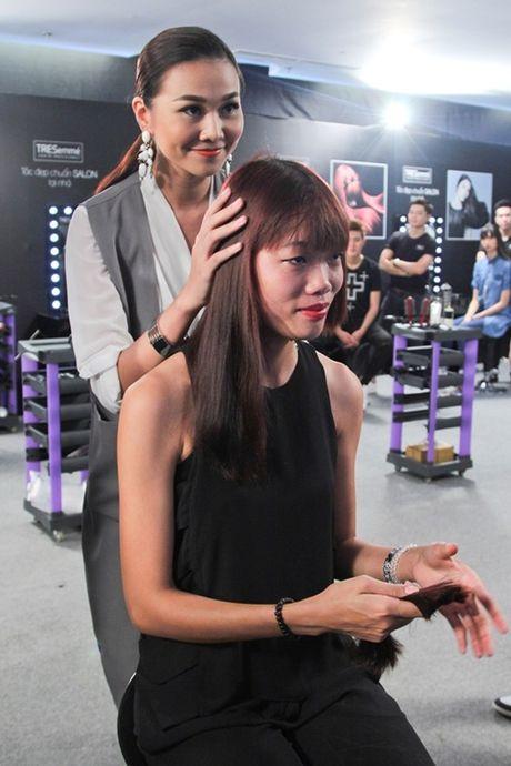 """Thanh Hang tan tinh """"lot xac"""" cac thi sinh Next Top Model - Anh 2"""