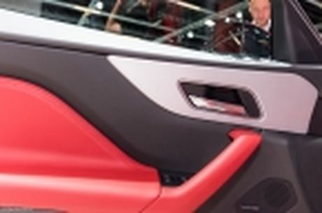 "[IAA 2015] ""Tren tay"" Jaguar F-Pace, mau crossover hang sang den tu nuoc Anh - Anh 25"