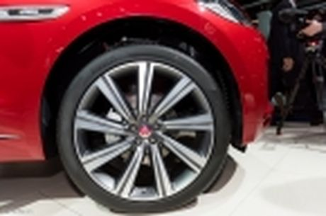 "[IAA 2015] ""Tren tay"" Jaguar F-Pace, mau crossover hang sang den tu nuoc Anh - Anh 32"