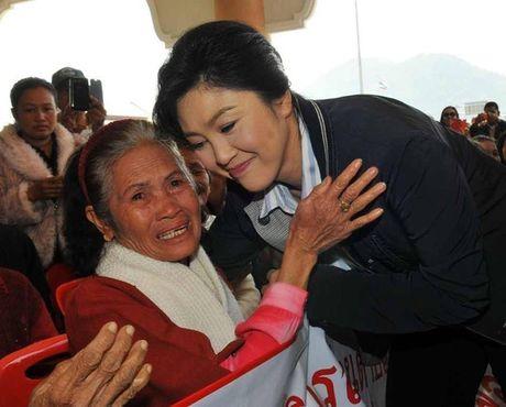 Ba Yingluck phai boi thuong hang tram ngan ti dong - Anh 1