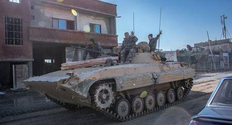 Phien quan Hoi giao hanh quyet hang chuc binh si Syria - Anh 1