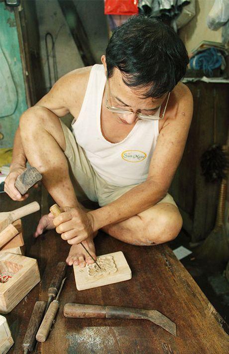 Len pho co gap nguoi lam khuon banh Trung thu - Anh 4