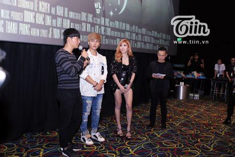 Trang Phap cung ca si Han Quoc ket hop san pham bom tan - Anh 1
