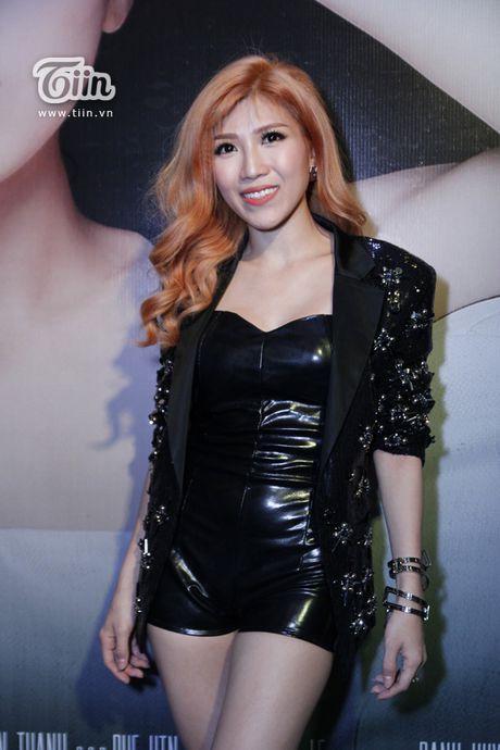 Trang Phap cung ca si Han Quoc ket hop san pham bom tan - Anh 2