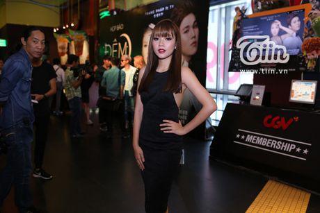 Trang Phap cung ca si Han Quoc ket hop san pham bom tan - Anh 6