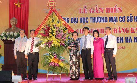 Pho Chu tich nuoc Nguyen Thi Doan du Le gan bien Truong DH Thuong mai co so Ha Nam - Anh 1
