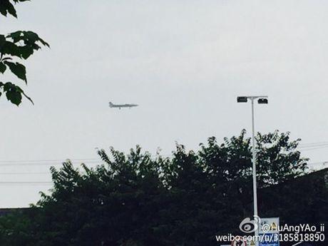 Nguyen mau thu 7 cua tiem kich J-20 Trung Quoc lo dien - Anh 4