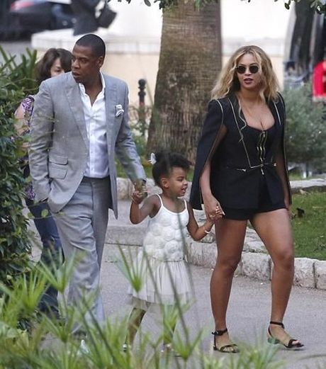 Beyonce kheo khoe nguc day trong trang phuc pha cach - Anh 1