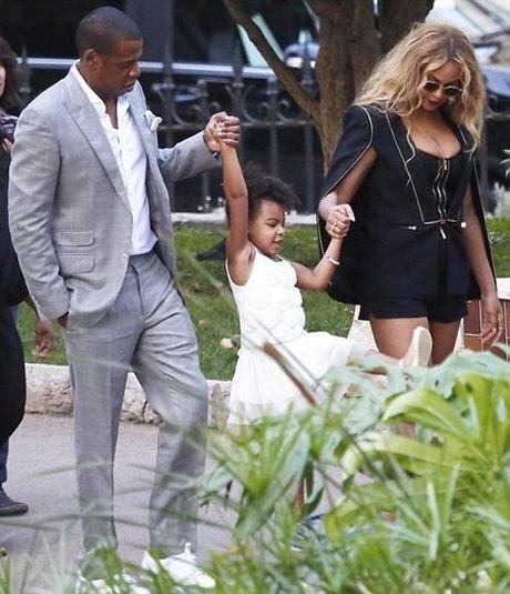 Beyonce kheo khoe nguc day trong trang phuc pha cach - Anh 4
