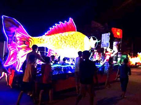 Tuyen Quang: Le hoi Trung thu 2015 doc dao goi moi du khach - Anh 17