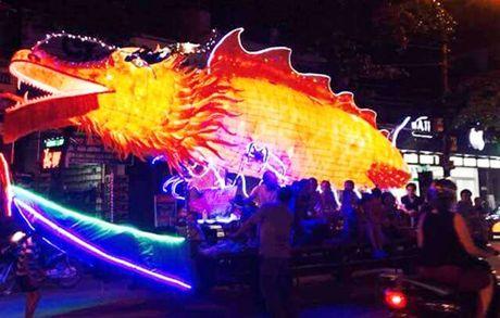 Tuyen Quang: Le hoi Trung thu 2015 doc dao goi moi du khach - Anh 18