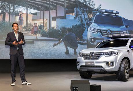 Mercedes-Benz cho ra mat mau xe ban tai giong Nissan Navara NP300 - Anh 2