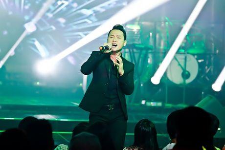 Tuan Hung dien quan rach hat trong show cua Lam Vu - Anh 8