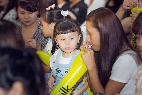 Khoi My trinh dien ban hit voi mic quan hoa tra my vang - Anh 19