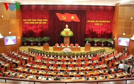 Nhin lai 30 nam doi moi trong Du thao van kien trinh Dai hoi XII - Anh 1