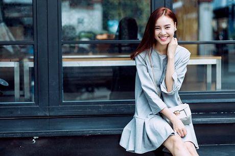 Lan Ngoc dien vay 2 day tung tang dao pho cuoi nam - Anh 8