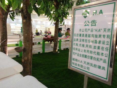 "Xuat hien showroom ""chi ban cho khach Trung Quoc, cam cua khach Viet"" o Da Nang - Anh 4"