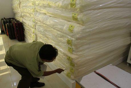 "Xuat hien showroom ""chi ban cho khach Trung Quoc, cam cua khach Viet"" o Da Nang - Anh 6"