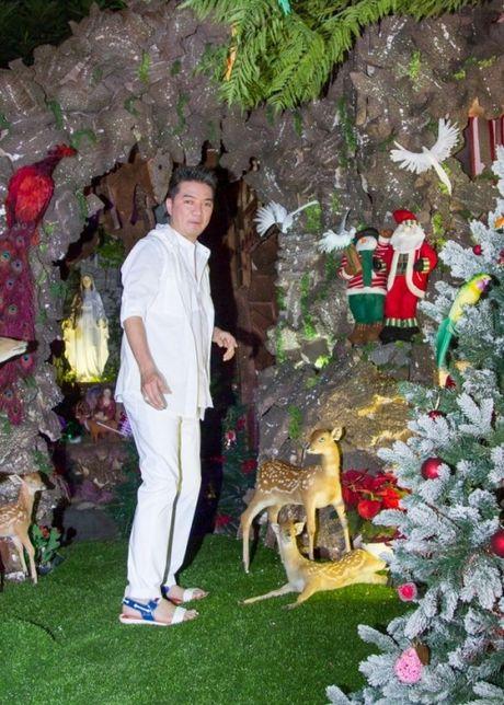 Noel 2015: Mung Giang sinh 'dam chat' Dam Vinh Hung - Anh 1
