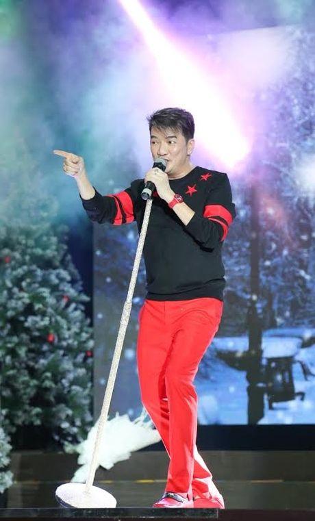 Noel 2015: Mung Giang sinh 'dam chat' Dam Vinh Hung - Anh 3
