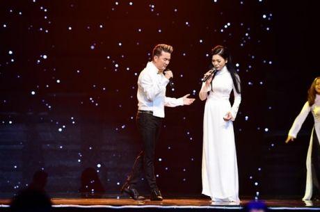 Noel 2015: Mung Giang sinh 'dam chat' Dam Vinh Hung - Anh 5
