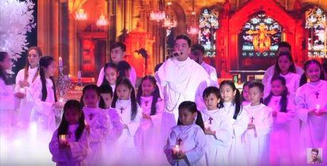 Noel 2015: Mung Giang sinh 'dam chat' Dam Vinh Hung - Anh 8