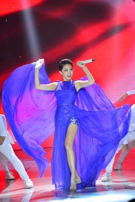 Chi Pu, Thuy Van lot top sao Viet mac trang phuc dep nhat tuan qua - Anh 9