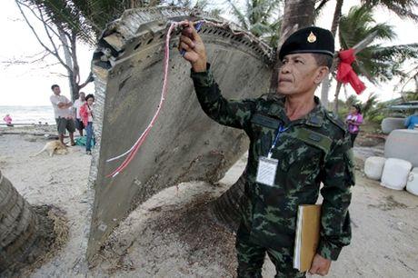 Manh vo tim thay tai Thai Lan khong phai cua MH370 - Anh 1