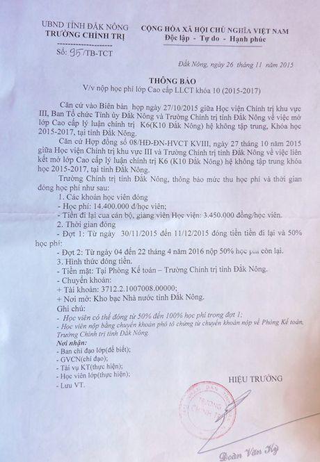Hieu truong bat hoc vien dong 300 trieu dong de tra phi taxi - Anh 2