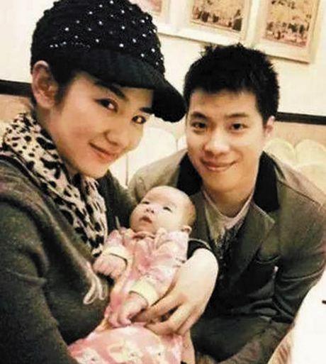 Huynh Dich bi toa an My han che gap con gai - Anh 2