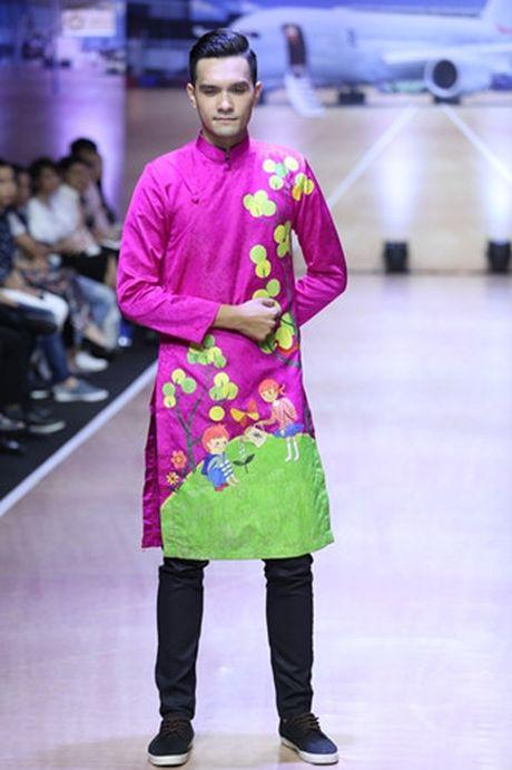 Thanh Hang khoe vai tran voi ao dai cach dieu - Anh 10