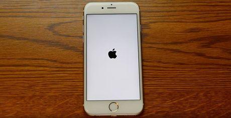 iPhone thanh cuc gach neu doi ngay gio thanh 1/1/1970 - Anh 1