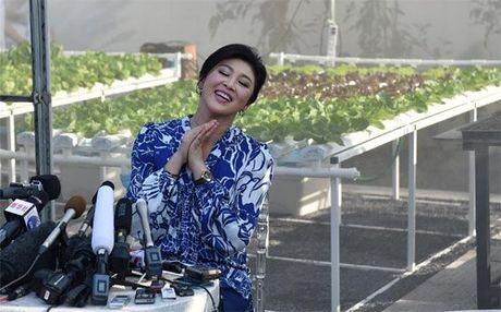 Cuu Thu tuong Thai xinh dep hop bao khoe rau tu trong - Anh 2
