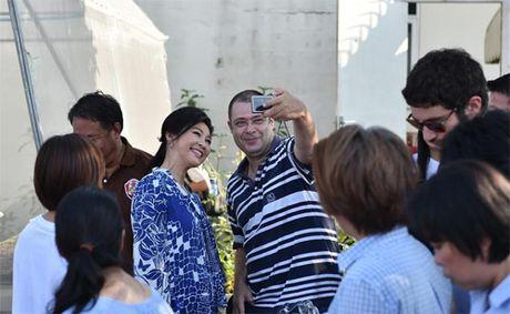 Cuu Thu tuong Thai xinh dep hop bao khoe rau tu trong - Anh 7