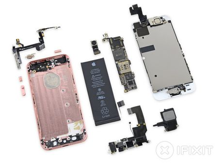 iFixit mo tiet lo moi thu ben trong iPhone SE - Anh 30