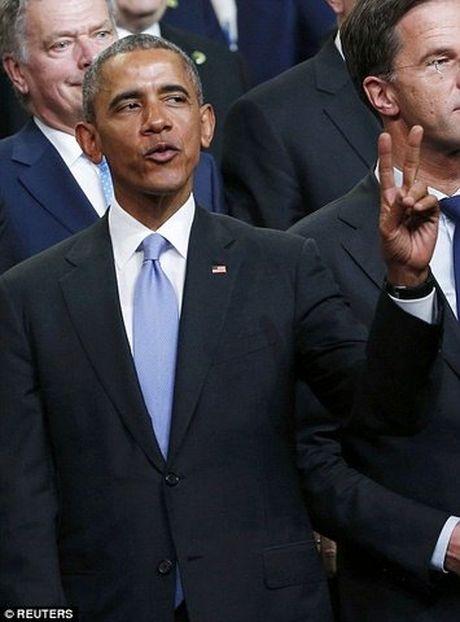 Obama tao dang 'xi-tin' trong hoi nghi hat nhan the gioi - Anh 3