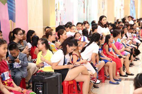 """Vietnam Idol Kids 2016: Thi sinh nhi doi dap voi BGK rat """"chat"""" va dang yeu - Anh 17"""