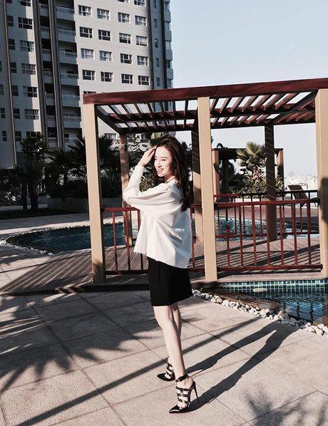 Sao style 2/4: Kha Ngan khoe vai tran, Chi Pu do ruc ca cay - Anh 2