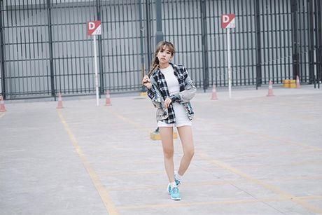 Sao style 2/4: Kha Ngan khoe vai tran, Chi Pu do ruc ca cay - Anh 3