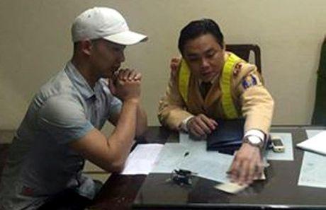"Canh sat 141 lien tuc bat ""gai dich vu"" cung nguoi van chuyen khong doi MBH - Anh 2"