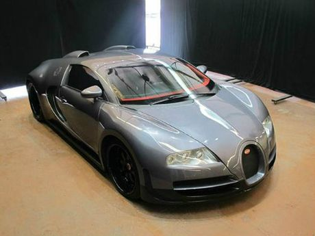 Can canh loat o to gia re beo nhai theo Audi, BMW, Bugatti Veyron - Anh 3